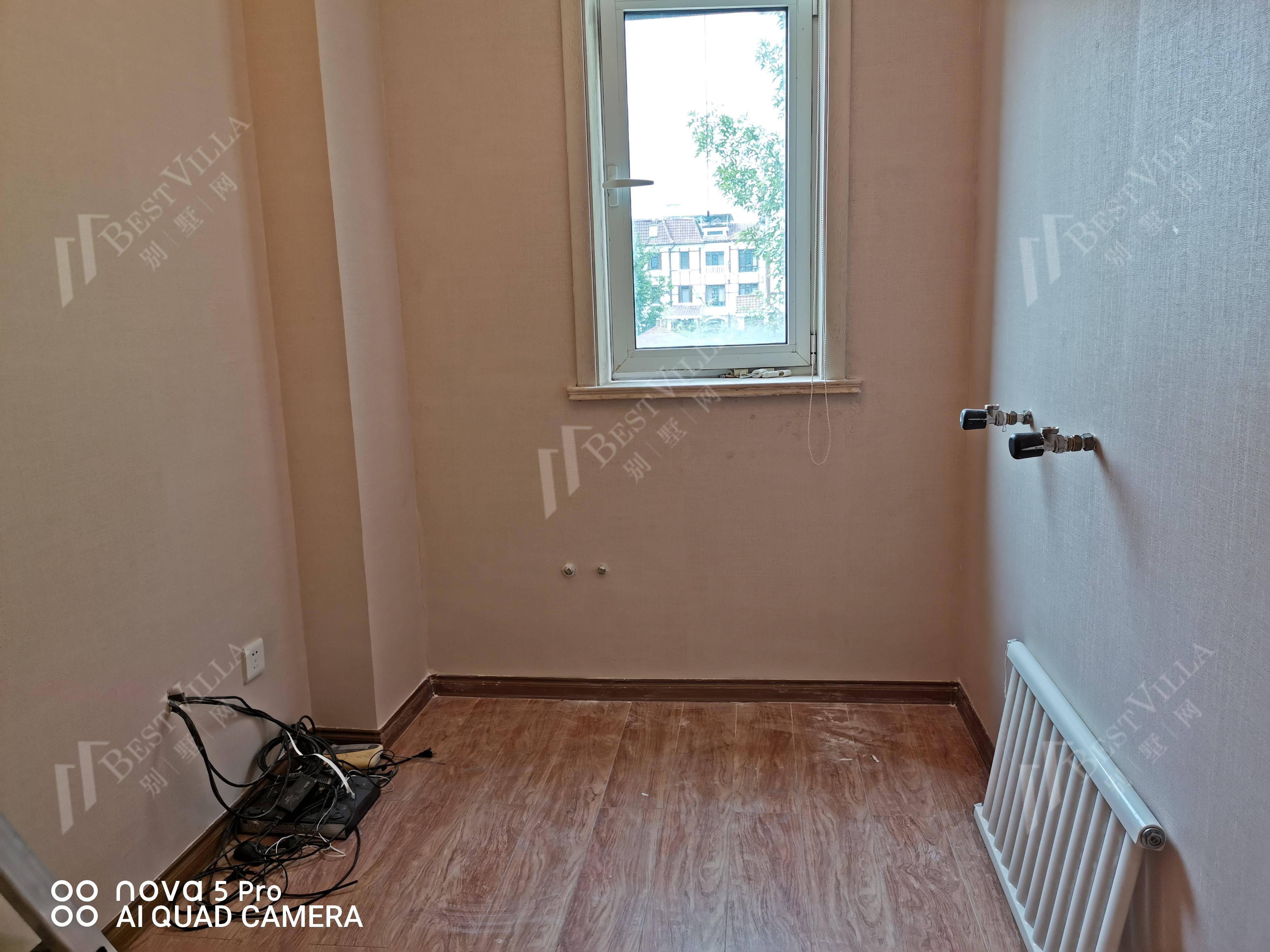 二楼北卧室卫生间